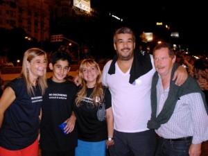phoca thumb l 02-04-2011.-juan-carr-fundador-de-la-red-solidaria-y-el-chavo-fucks-en-la-marcha-p