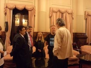 phoca thumb l 04-05-2012.-En-la-distincion-del-Senado-a-Leon-Gieco-y-los-artistas-de-Mundo-Alas