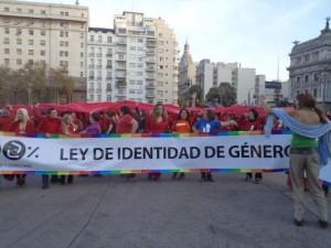phoca thumb l 06-05-2012.-Foto-masiva-en-la-plaza-de-los-Dos-Congresos-a-favor-de-la-sancion-de-l