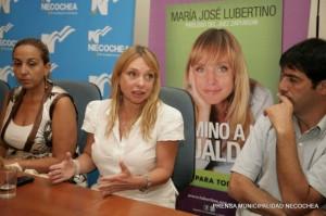 phoca thumb l 9-01-2012.-Presentacion-del-libro-Camino-a-la-Igualdad-en-Necochea