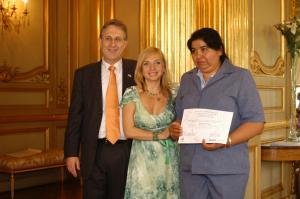 201021-09-12-08-Premios-en-embajada-EU 5